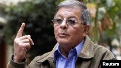"""Rodrigo Granda, alias Ricardo Téllez, conocido como el """"canciller de las FARC"""", defendió la posición de la guerrilla."""