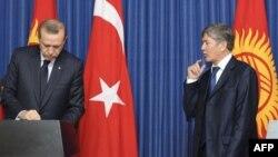 """""""Qirg'iziston Turkiyadan iqtisod, boshqaruv bobida o'rnak olishi mumkin"""""""