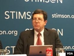美国维吉尼亚州大学教授何汉理(美国之音钟辰芳拍摄)