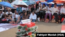 Misa Natal depan istana. (VOA/Fathiyah)