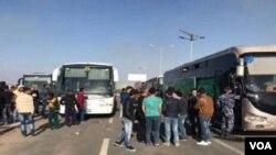 Warga Suriah bersiap mengungsi untuk menghindari konflik di bagian barat laut Suriah (foto: ilustrasi).