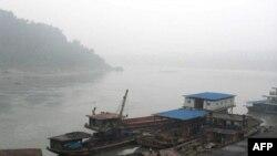 Các giới chức ở tỉnh Giang Tô phát hiện hóa chất phenol trong nước sông Dương Tử