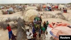 Para pengungsi Somalia di kamp pengungsi di Galkayo, barat laut Mogadishu. (Foto: Dok)