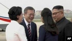 韩国总统文在寅2018年9月抵达平壤访问(美联社转发韩国KBS电视台照片)