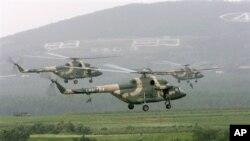 参加中俄联合军演的中国直升机(2005年资料照)