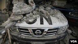 Kendaraan dinas staf PBB di Haiti ikut hancur akibat gempa. PBB telah menunjuk panglima baru pasukan perdamaian di Haiti.
