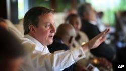 英国首相卡梅伦11月16日在斯里兰卡