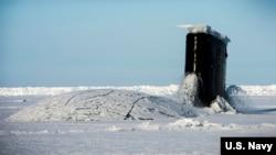 美國海軍一艘潛艇2016年3月15日在北極參與演習(美國海軍照片)