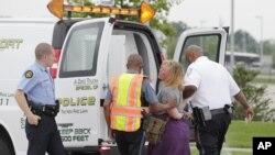 密蘇里州警察星期三逮捕堵塞弗格森公路的抗議者