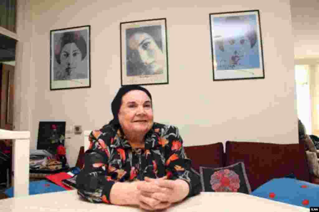 پوران فرخزاد، نویسنده، شاعر و مترجم در سن ۸۳ سالگی در تهران درگذشت. خانم فرخزاد در بیمارستان بستری بود و در روزهای اخیر به کما رفته بود. پوران فرخزاد خواهر بزرگتر فروغ فرخزاد، شاعر نامدار معاصر و فریدون فرخزاد، مجری و برنامهساز تلویزیونی است. فروغ فرخزاد در سن ۳۲ سالگی در یک حادثه رانندگی کشته شد و فریدون فرخزاد نیز در سال ۱۳۷۱ در سن ۵۳ سال در آلمان به قتل رسید. قتل فجیع او به عوامل وزارت اطلاعات جمهوری اسلامی ایران نسبت داده شده است.