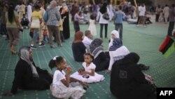 Ливийцы отмечают праздник в бывшей резиденции Каддафи