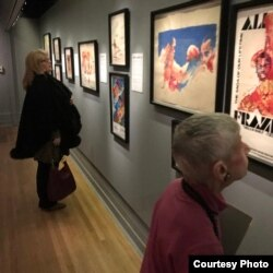Exhibit scene illustrating the scope of LeRoy Neiman and George Kalinsky's work with Ali, New York Historical Society Museum & Library. (B. Shusman/VOA)