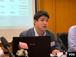 香港民研資料科學經理戴捷輝 (美國之音李逸華拍攝)