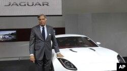 1月5号新德里塔塔集团总裁拉坦·塔塔在印度汽车展上