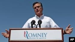 El virtual candidato republicano a la presidencia, Mitt Romney, se unió a las críticas a la administración Obama por el otorgamiento de una visa a la hija del presidente Raúl Castro.