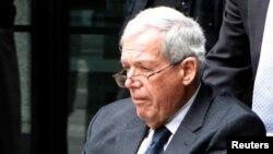 Hastert no pudo ser acusado de abuso sexual a menores debido a que había vencido el plazo para interponer una demanda.