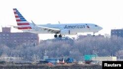 2019年3月12日美利堅航空公司一架波音737 Max 8從邁阿密飛往紐約拉瓜迪亞機場。