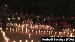Aksi 1000 lilin untuk Deiyai berdarah yang digelar di Jakarta. (VOA/Nurhadi Sucahyo)