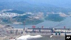 2003年6月3日的三峡大坝
