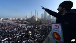 Мусульмане Чечни собрались в столице республики на демонстрацию против карикатур на пророка Мухаммела. Грозный, Россия. 19 января 2015 г.