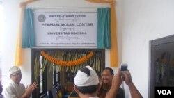 Peluncuran perpustakaan lontar di Universitas Udayana, Bali (28/11).