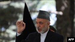 Президент Гамід Карзай під час прес-конференції в Кабулі