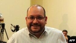 Ký giả Rezaian bị bắt hồi năm ngoái và đang bị xét xử về tội làm gián điệp.
