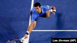 Novak Djokovic dari Serbia dalam sebuah pertandingan di Australia Terbuka. (Foto: Dok)