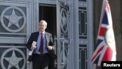 El embajador británico en Rusia, Laurie Bristow, es visto saliendo del Ministerio de Relaciones Exteriores en Moscú, Rusia, el viernes, 30 de marzo, de 2018.