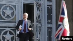 Đại sứ Anh tại Moscow Laurie Bristow rời Bộ ngoại giao Nga hôm 30/3/2018.