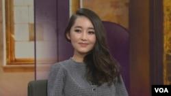 탈북 대학생 박연미 씨가 지난 4월(2014) 호주 SBS 방송에 출연해 북한에 대해 설명하고 있는 모습