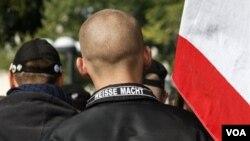 """La canciller alemana, Angela Merkel, definió a los asesinatos como terrorismo de extrema derecha y """"una desgracia"""" para Alemania."""