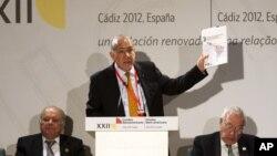 16일 스페인 카디즈에서 열린 이베로·아메리카 정상 회담에 참석한 앙헬 구리아 OECD 사무총장. (자료사진)