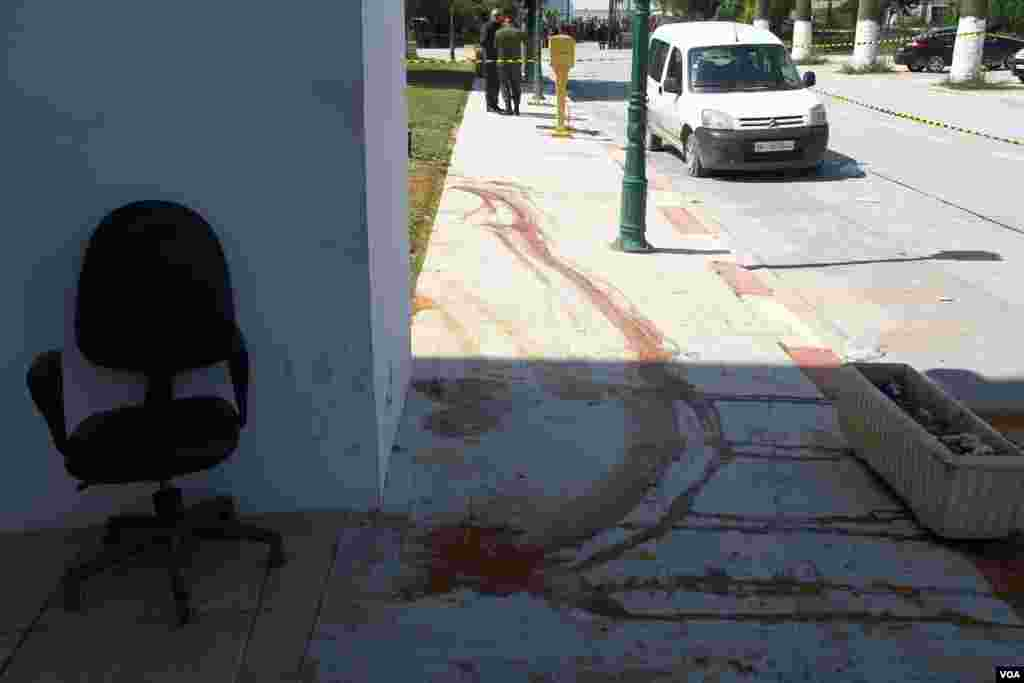 Blood still remains on the streets a day after the attack on the Tunis museum, March 19, 2015. (Mohamed Krit/VOA)