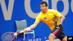 Ivan Dodig (foto) mengalahkan Alexandr Dolgopolov dalam perempat final final turnamen BMW Terbuka di Munich, Jerman (3/5).