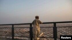 این ڈی ایم اے نے پنجاب اور گلگت بلتستان میں ممکنہ سیلاب کے پیش نظر ہائی الرٹ جاری کر رکھا ہے۔ — فائل فوٹو