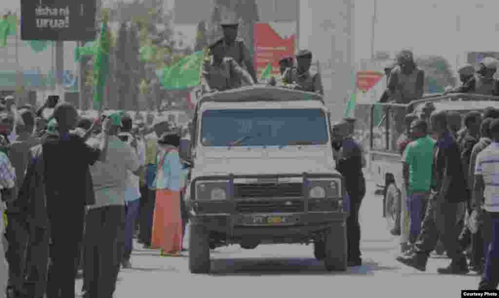 Polisi wapita mbele ya makao makuu ya CCM Dodoma