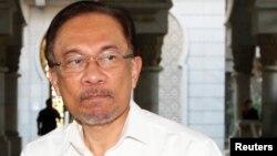 말레이시아 야권 지도자인 안와르 이브라힘 전 부총리가 지난 7일 법원에 도착했다.