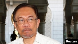 Pemimpin oposisi Malaysia Anwar Ibrahim di pengadilan Putra Jaya, Malaysia, 7 Maret 2014 (foto: dok).