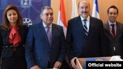 مراسم تحویل آثار باستانی به سفیر مصر در وزارت امورخارجه اسرائیل - ۲ خرداد ۱۳۹۵ ( عکس از وزارت خارجه اسرائیل)