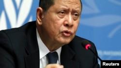 16일 스위스 제네바에서 열린 유엔 인권이사회에서 마루즈끼 다르수만 유엔 북한인권특별보고관이 북한 인권 상황에 대한 기자회견을 하고 있다.