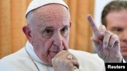 El Papa exhortó a los líderes religiosos de EE.UU. a romper barreras y construir puentes.