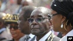 UMongameli Mugabe lekhosikazi lakhe, uGrace.