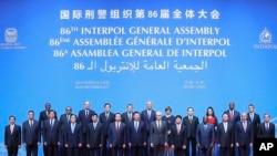 中国国家主席会见在北京与会的国际刑警组织2017年年度大会代表。(2016年9月26日)