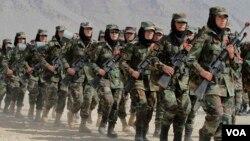 وزارت دفاع افغانستان میگوید که زنان شامل در اردوی ملی، در رده های مختلف به شمول مقام های اداری و محاربوی حضور دارند