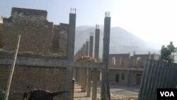 ایک زیر تعمیر اسکول تکمیل کا منتظر