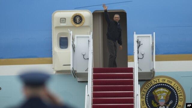 Tổng thống Barack Obama đáp chuyên cơ Air Force One lên đường tới Việt Nam, ngày 21/5/2016.