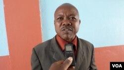 Director de línguas nacionais na direcção provincial de educação do Namibe César Joaquim