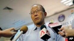 """Bộ trưởng Quốc phòng Delfin Lorenzana nói ông """"quan ngại"""" về các hoạt động của tàu khảo sát Trung Quốc."""