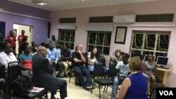 Mkurugenzi wa VOA Amanda Bennett alipozuru Kitu cha Ufanisi wa Vyombo vya Habari Afrika (ACME) Kampala, Uganda.